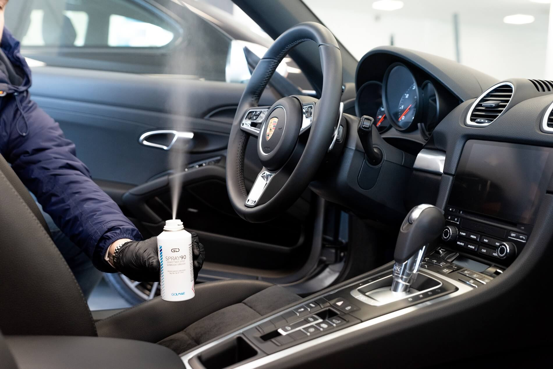Spray igienizzante automobile